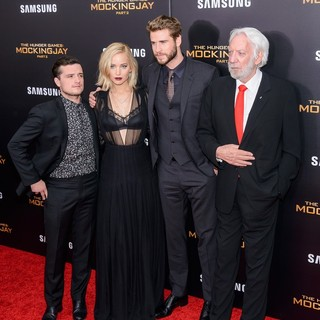 Josh Hutcherson, Jennifer Lawrence, Liam Hemsworth, Donald Sutherland in The Hunger Games: Mockingjay, Part 2 New York Premiere