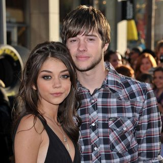 Sarah Hyland, Matt Prokop in The Los Angeles Premiere of Cars 2 - Arrivals