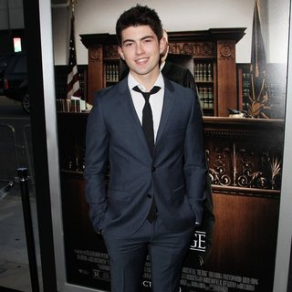 Ian Nelson in Premiere of Warner Bros. Pictures and Village Roadshow Pictures' The Judge