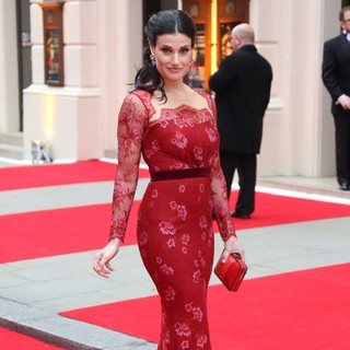 Idina Menzel in The Olivier Awards 2013 - Arrivals