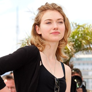 Imogen Poots in 2010 Cannes International Film Festival - Day 3 - Chatroom Photocall - imogen-poots-2010-cannes-international-film-festival-02