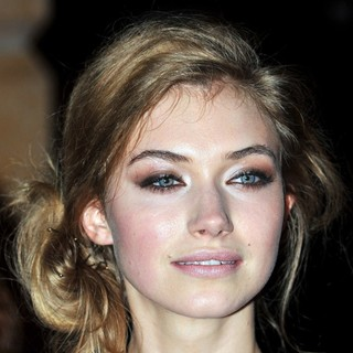 Imogen Poots in The Screening of Cracks - During BFI London Film Festival 2009 - imogen-poots-bfi-london-film-festival-2009-01