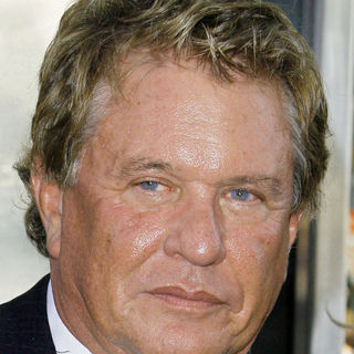 "Tom Berenger in Warner Bros. Pictures' Los Angeles Premiere of ""Inception"""