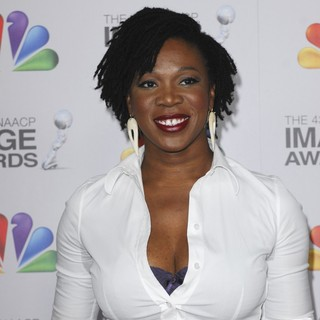 India.Arie in The 43rd Annual NAACP Awards - Arrivals - india-arie-43rd-annual-naacp-awards-01