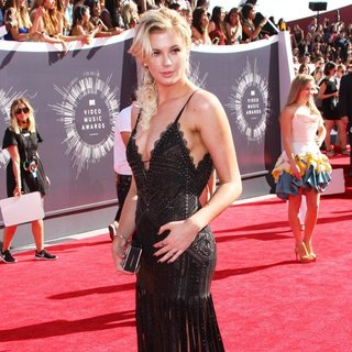 Ireland Baldwin in 2014 MTV Video Music Awards - Arrivals