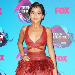 Isabela Moner in Teen Choice Awards 2017 - Arrivals