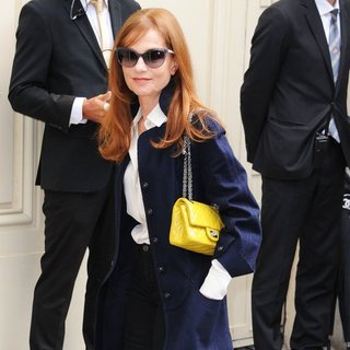 Isabelle Huppert in Paris Fashion Week Haute Couture Fall-Winter 2014-2015 - Chanel - Outside Arrivals