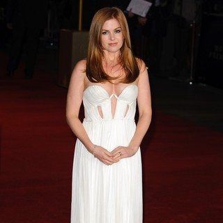 Les Miserables World Premiere - Arrivals - isla-fisher-uk-premiere-les-miserables-03