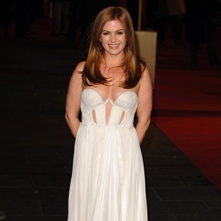 Les Miserables World Premiere - Arrivals - isla-fisher-uk-premiere-les-miserables-04