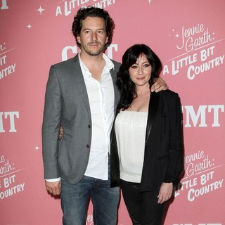 Kurt Iswarienko, Shannen Doherty in Jennie Garth's 40th Birthday Celebration and Premiere Party for Jennie Garth: A Little Bit Country