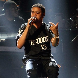 J. Cole in The 2013 BET Awards - Inside - j-cole-the-2013-bet-awards-inside-01