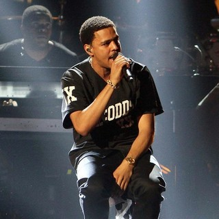 J. Cole in The 2013 BET Awards - Inside - j-cole-the-2013-bet-awards-inside-02