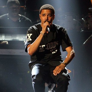 J. Cole in The 2013 BET Awards - Inside - j-cole-the-2013-bet-awards-inside-03