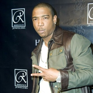 Ja Rule in The Grand Opening of Rafaello & Co.'s Manhattan Store - ja-rule-grand-opening-rafaello-01