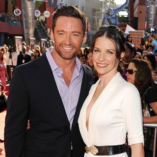 Evangeline Lilly in Los Angeles Premiere of Real Steel - jackman-lilly-premiere-real-steel-01