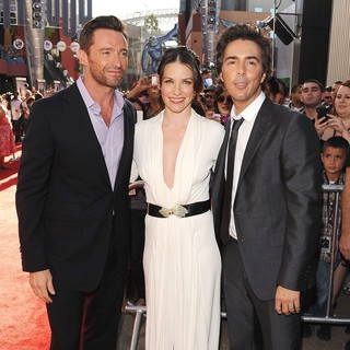 Evangeline Lilly in Los Angeles Premiere of Real Steel - jackman-lilly-premiere-real-steel-03