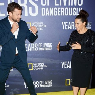 Joshua Jackson, America Ferrera-National Geographic's Years of Living Dangerously Season 2 World Premiere - Red Carpet Arrivals