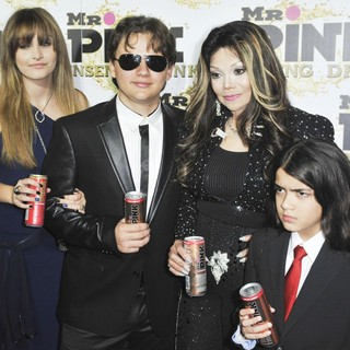 La Toya Jackson in Mr. Pink's Ginseng Energy Drink Launch - Arrivals - jackson-ginseng-energy-drink-launch-02