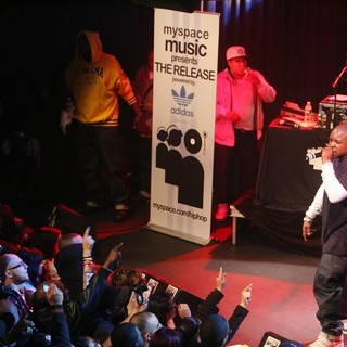Jadakiss Launches His Album The Last Kiss with A Performance - jadakiss-launches-album-the-last-kiss-04