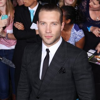 Jai Courtney in Premiere of Summit Entertainment's Divergent - Red Carpet Arrivals