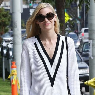 Jaime King Leaving Lemonade Restaurant