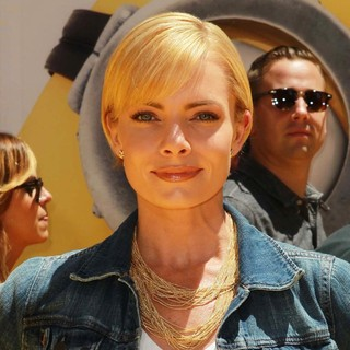 Jaime Pressly in Premiere of Universal Pictures' Despicable Me 2