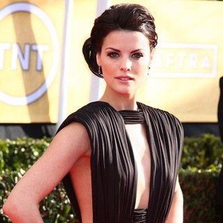 Jaimie Alexander in 19th Annual Screen Actors Guild Awards - Arrivals - jaimie-alexander-19th-annual-screen-actors-guild-awards-01