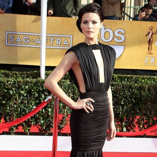 Jaimie Alexander in 19th Annual Screen Actors Guild Awards - Arrivals - jaimie-alexander-19th-annual-screen-actors-guild-awards-02