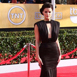 Jaimie Alexander in 19th Annual Screen Actors Guild Awards - Arrivals - jaimie-alexander-19th-annual-screen-actors-guild-awards-04
