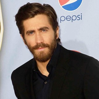 Jake Gyllenhaal in 2012 NCLR ALMA Awards - Arrivals
