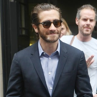 Jake Gyllenhaal in Jake Gyllenhaal Leaving Radio2