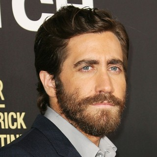 Los Angeles Premiere of End of Watch - jake-gyllenhaal-premiere-end-of-watch-01