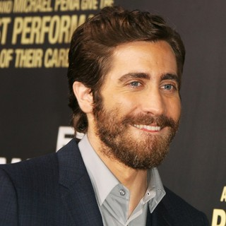 Los Angeles Premiere of End of Watch - jake-gyllenhaal-premiere-end-of-watch-02