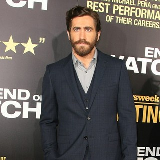 Los Angeles Premiere of End of Watch - jake-gyllenhaal-premiere-end-of-watch-05