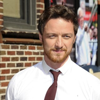 James McAvoy Outside Ed Sullivan Theatre for Late Show With David Letterman - james-mcavoy-late-show-with-david-letterman-03