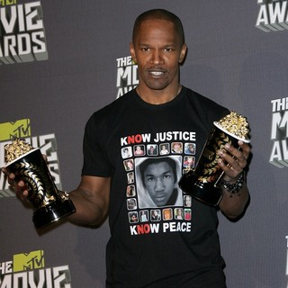 Jamie Foxx in 2013 MTV Movie Awards - Press Room