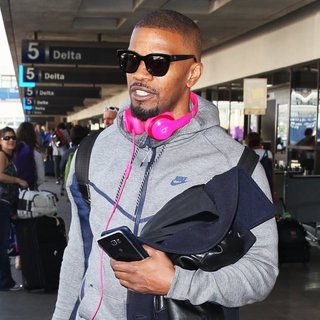 Jamie Foxx Arrives at Los Angeles International Airport