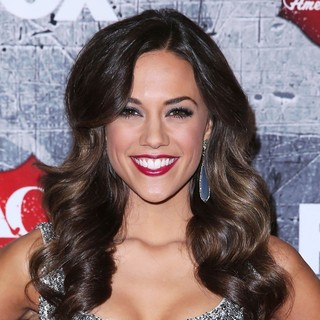 Jana Kramer in 2012 American Country Awards - Arrivals - jana-kramer-2012-american-country-awards-01