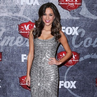 Jana Kramer in 2012 American Country Awards - Arrivals - jana-kramer-2012-american-country-awards-03