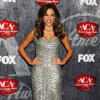 Jana Kramer in 2012 American Country Awards - Arrivals - jana-kramer-2012-american-country-awards-04