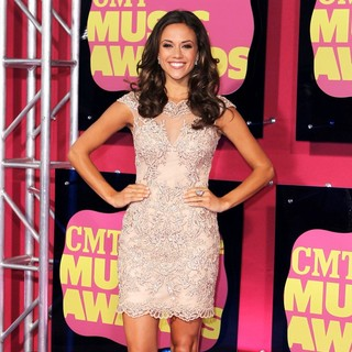 Jana Kramer in 2012 CMT Music Awards - jana-kramer-2012-cmt-music-awards-02