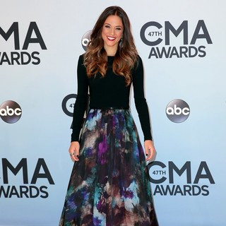 Jana Kramer in 47th Annual CMA Awards - Red Carpet
