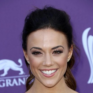 Jana Kramer in 48th Annual ACM Awards - Arrivals - jana-kramer-48th-annual-acm-awards-03