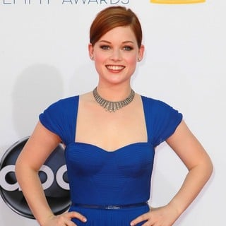 Jane Levy in 64th Annual Primetime Emmy Awards - Arrivals - jane-levy-64th-annual-primetime-emmy-awards-01