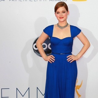 Jane Levy in 64th Annual Primetime Emmy Awards - Arrivals - jane-levy-64th-annual-primetime-emmy-awards-02