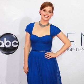 Jane Levy in 64th Annual Primetime Emmy Awards - Arrivals - jane-levy-64th-annual-primetime-emmy-awards-03