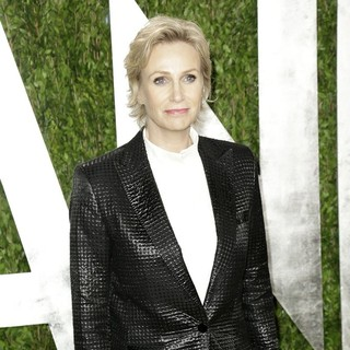 Jane Lynch in 2013 Vanity Fair Oscar Party - Arrivals