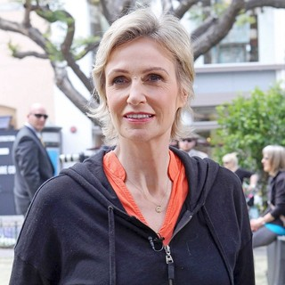 Jane Lynch in Jane Lynch Teams Up with belVita Breakfast Biscuits and Launch A Morning Motivation Web Video