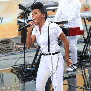 Janelle Monae - Janelle Monae Performs Live During NBC's 2013 Toyota Concert Series