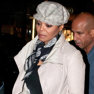 Janet Jackson - Janet Jackson Having Dinner at Di Sushi Restaurant on Kurfuerstendamm Street
